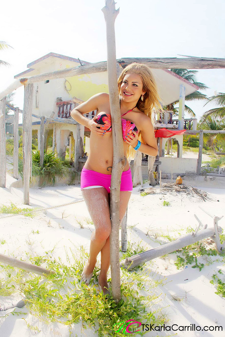 Outdoors Photos Of The Gorgeous Femboy Karla Carrillo At The Beach