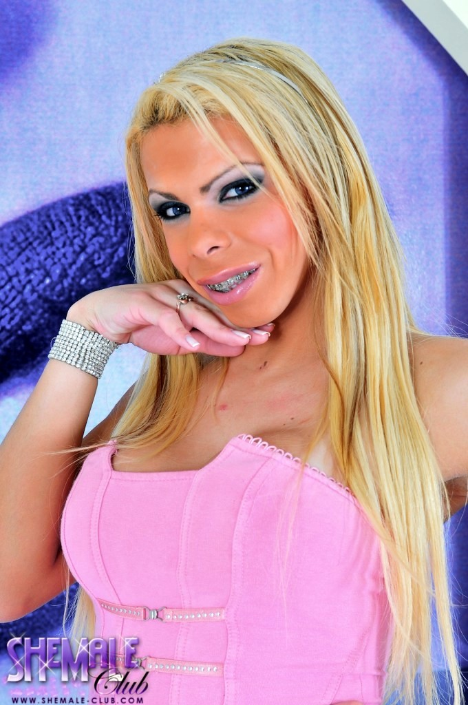 Yummy T-Girl Blondie With Enormously Massive Tool