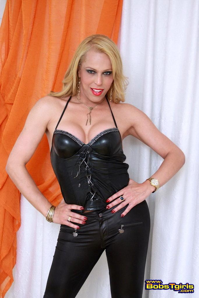 Arousing Fernanda Keller Stripping On Bed