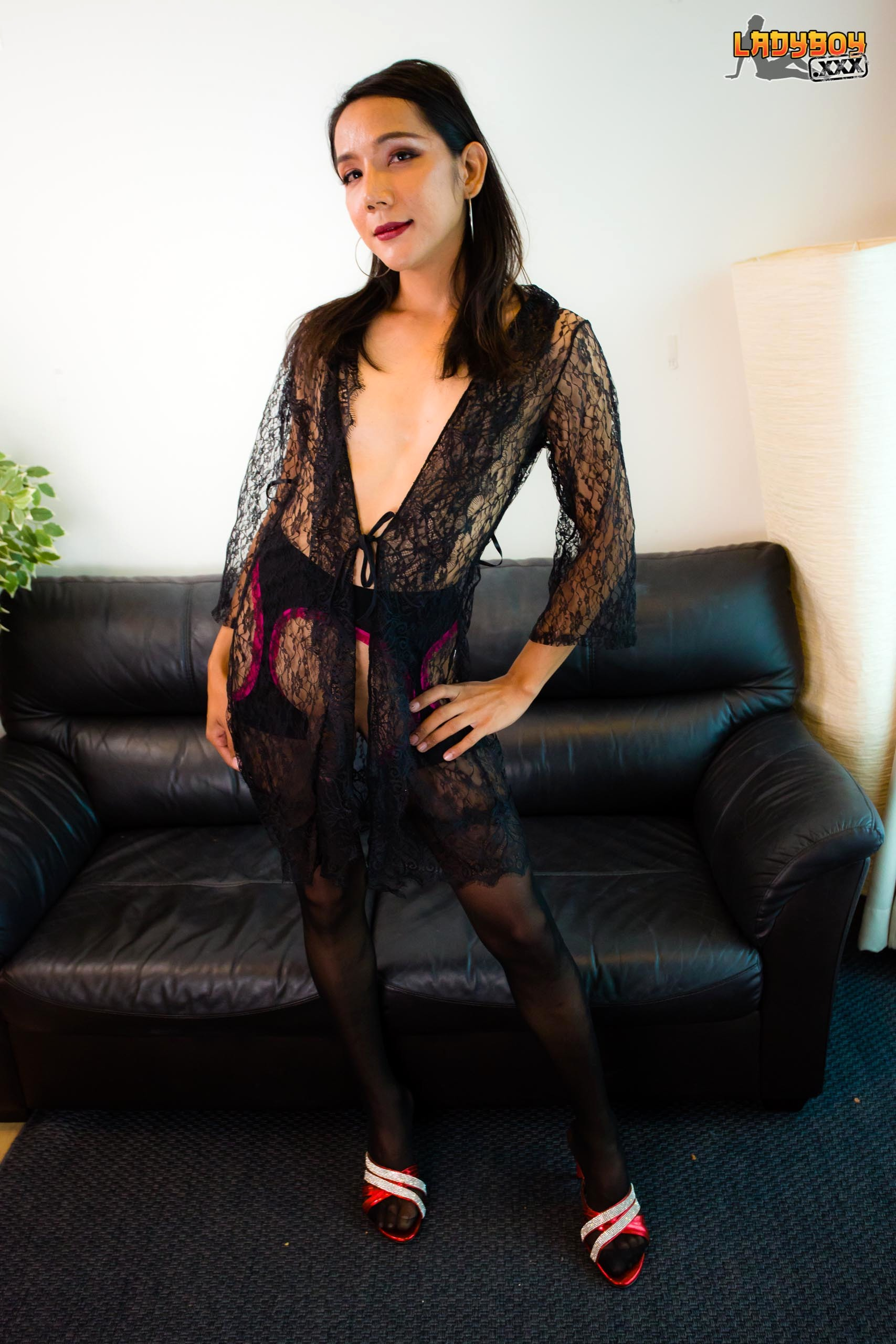 Pap Arousing In Fishnets! - Balls On Dolls