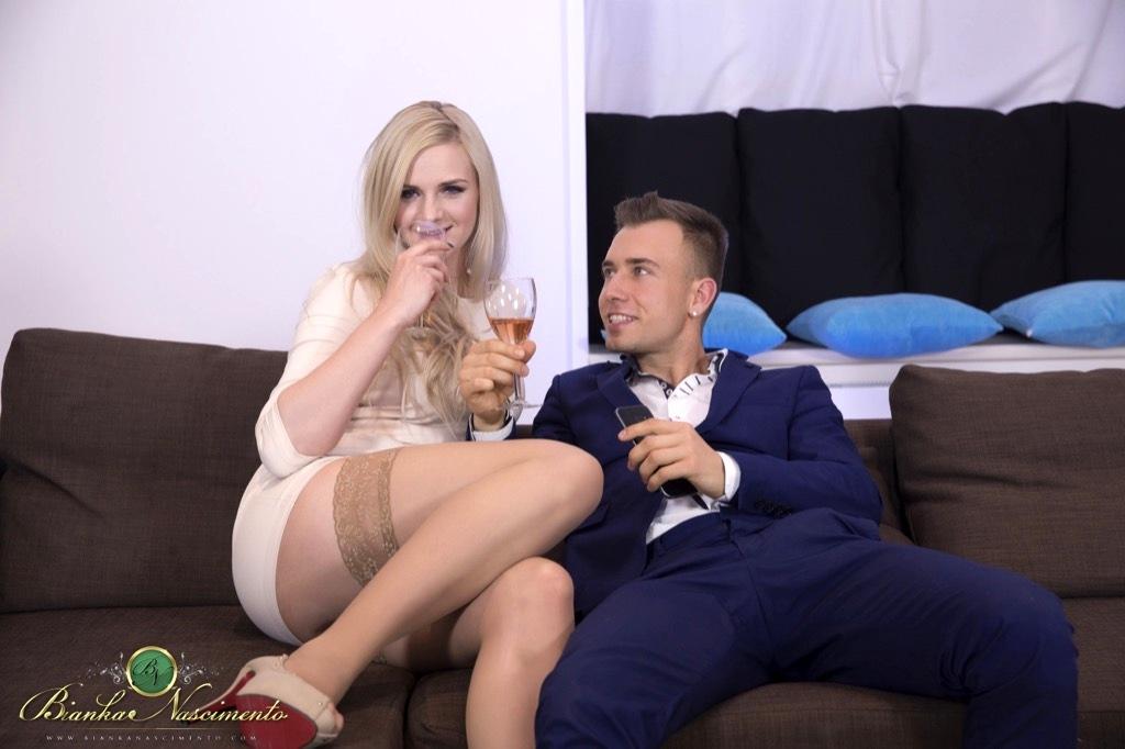 Pretty Couple Gets A Good Taste Of Hardcore Fucking From Bianka's Throbbing Tool