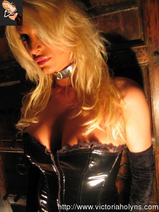 Victoria Holyns In Provocative Black Corset