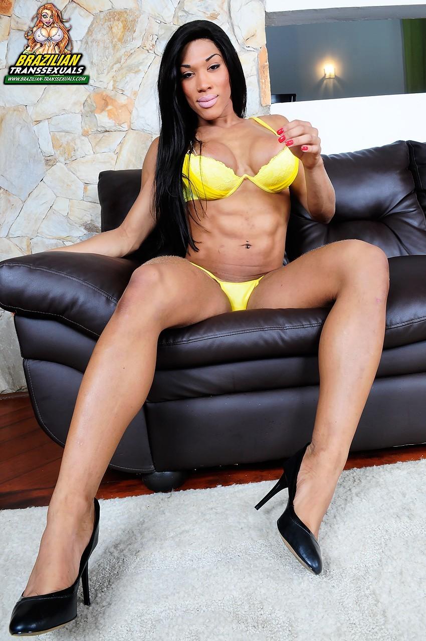 Veronica Bolina Posing In Yellow Bikini
