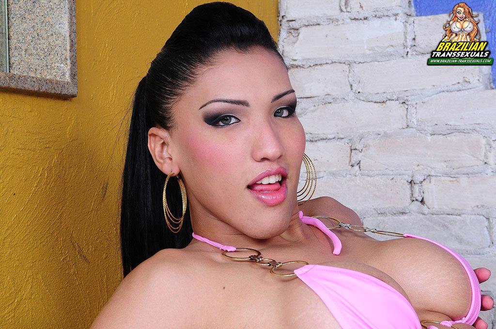 Ladyboy Tamarah Camargo Wanked Herself Hardcore