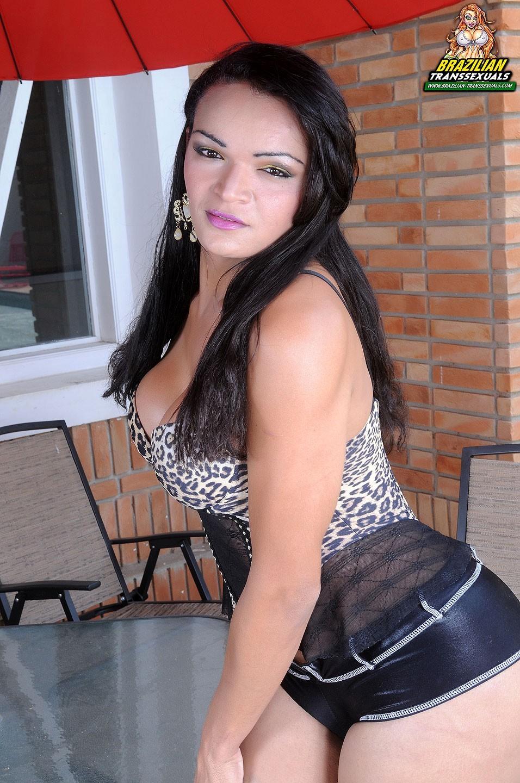 Lorraine Baldez Wearing Animal Printed Corset And She Is Kiss