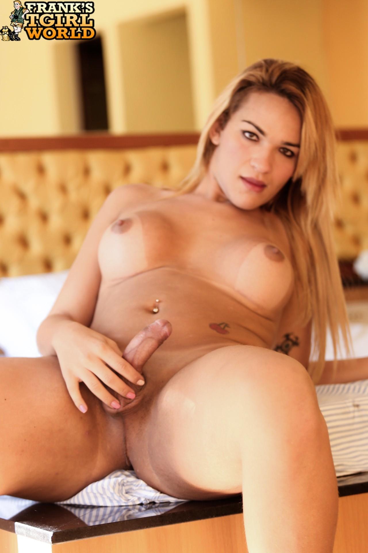 Leticia Freitaz Loosing Her Bikini