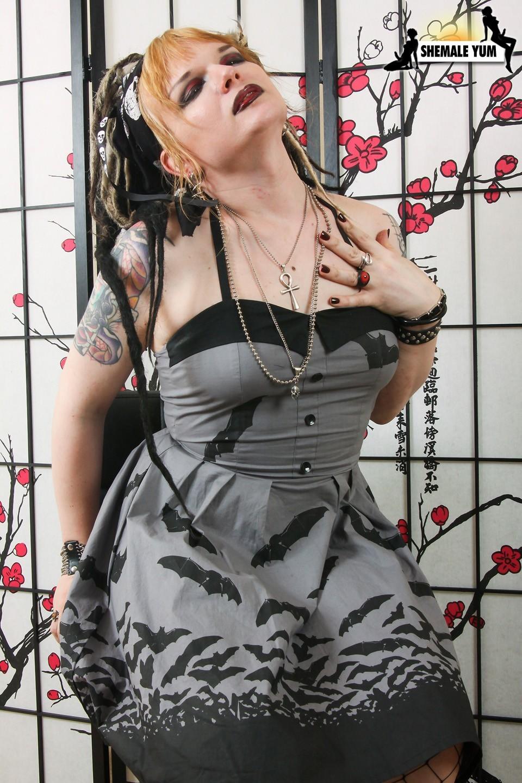 Steamy Fetish Barbie Meka La Hai Posing
