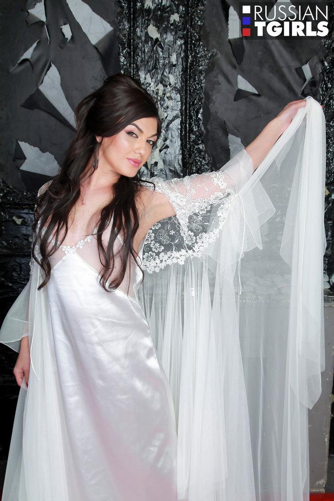 Gorgeous Viktoria In White Undies